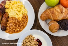 /imageLibrary/Images/5367 LHR T5 HOLIDAY INN EXPRESS 700x475 BREAKFAST