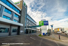 /imageLibrary/Images/5367 LHR T5 HOLIDAY INN EXPRESS 700x475 EXTERIOR