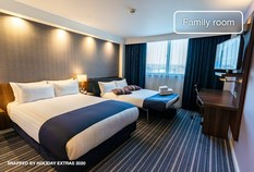 /imageLibrary/Images/5367 LHR T5 HOLIDAY INN EXPRESS 700x475 FAMILY ROOM