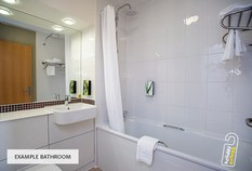 /imageLibrary/Images/5936 airport hotel premier inn example double bathroom