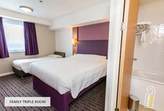 /imageLibrary/Images/5936 gatwick airport premier inn north family triple room