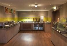 /imageLibrary/Images/83250 edinburgh holiday inn express breakfast 6