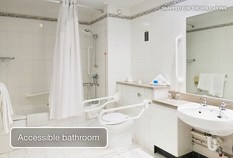 /imageLibrary/Images/84478 gatwick airport holiday inn hotel accessible bathroom v2