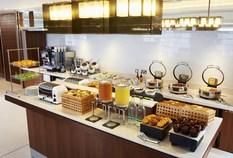 /imageLibrary/Images/Aberdeen Courtyard breakfast