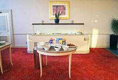 /imageLibrary/Images/Airport Inn Breakfast