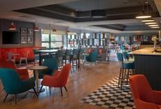 /imageLibrary/Images/edinburgh airport doubletree hilton bar wide