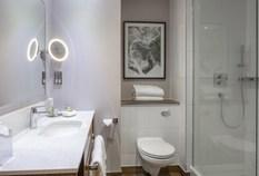 /imageLibrary/Images/edinburgh airport doubletree hilton bathroom