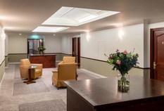 /imageLibrary/Images/gatwick copthorne effingham lounge area