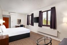 /imageLibrary/Images/gatwick copthorne effingham standard room