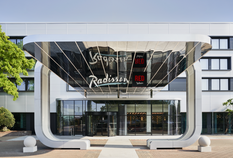 /imageLibrary/Images/lhr radisson exterior 2.png