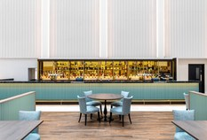 /imageLibrary/Images/gatwick hilton bar wide